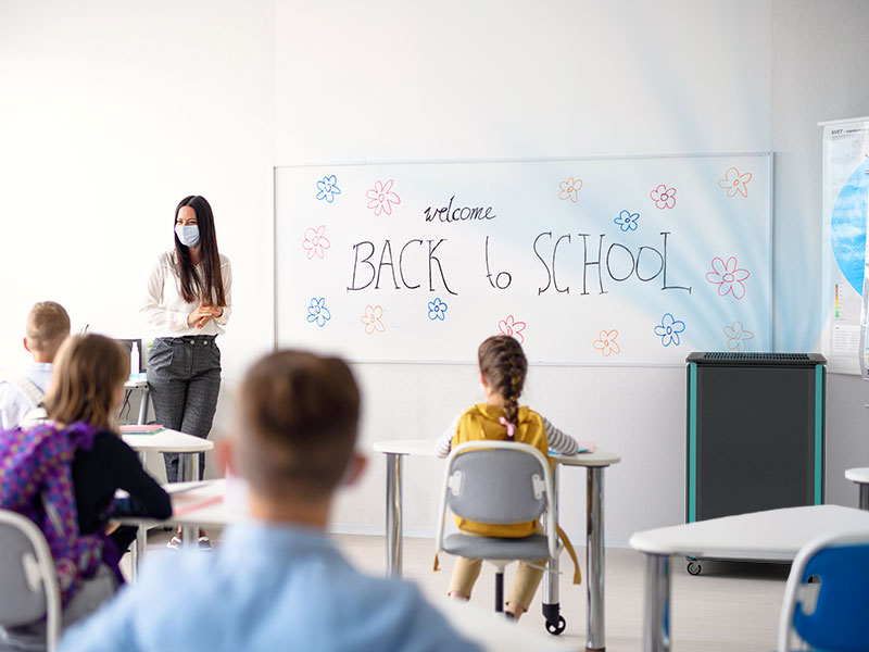Luftklar Luftreiniger erzeugt sichere Raumluft im Klassenzimmer